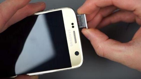 Как правильно вставить симку в телефон Samsung без ключа